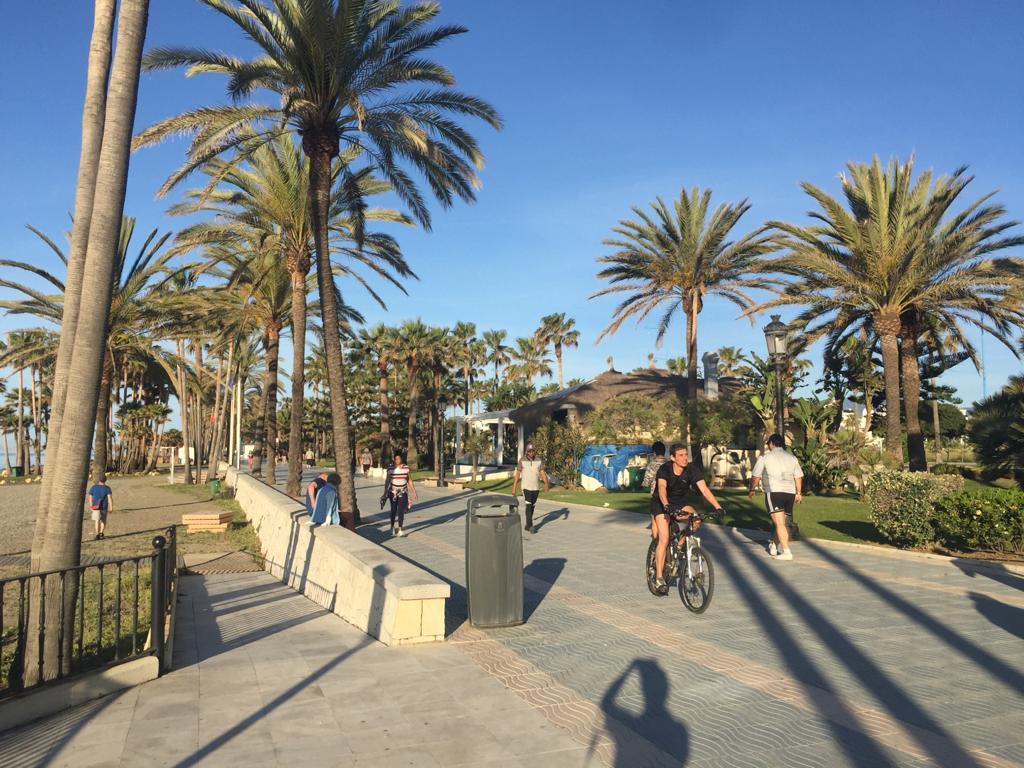 Marbella in lockdown , Footpath
