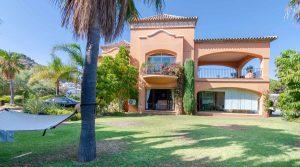 Villa For Sale In La quinta by Liontrust spain